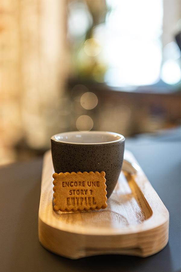 encoreunestory café d'exception lomi chez emypaul opticien vernon