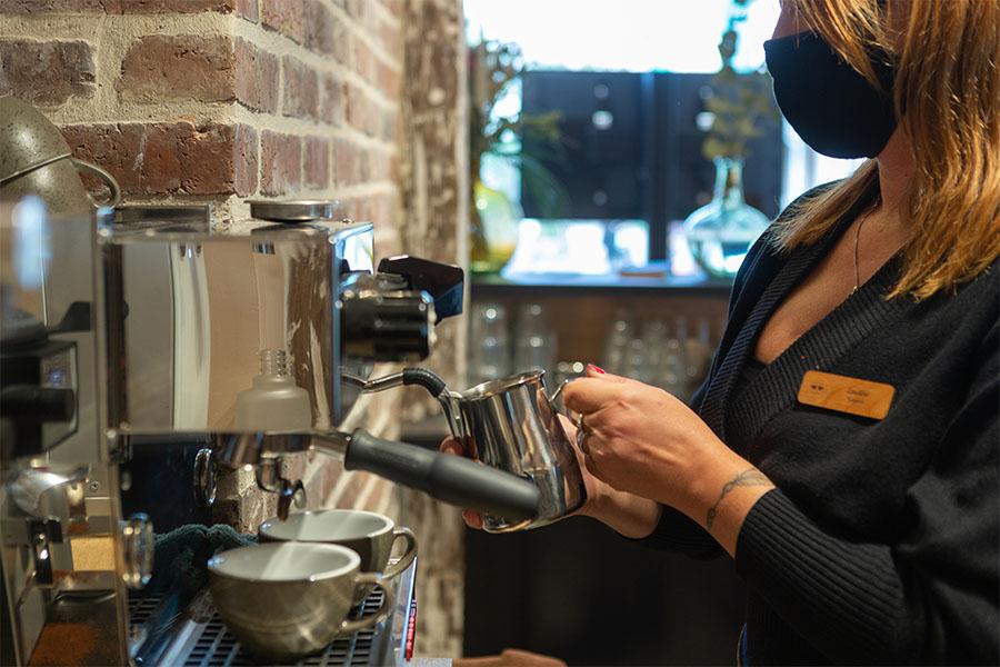 machine a café lomi chez emypaul opticien opticafé à vernon